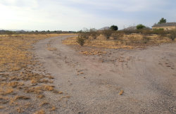 Photo of 35375 S Antelope Creek Road, Lot 32, Wickenburg, AZ 85390 (MLS # 5961903)