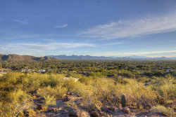 Photo of 5719 E Starlight Way, Lot 18, Paradise Valley, AZ 85253 (MLS # 6135789)