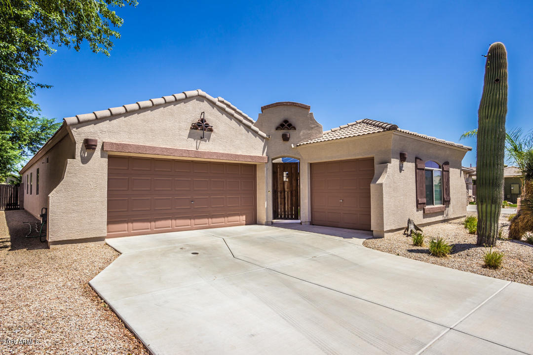Photo for 3090 E Colonial Place, Chandler, AZ 85249 (MLS # 5466011)