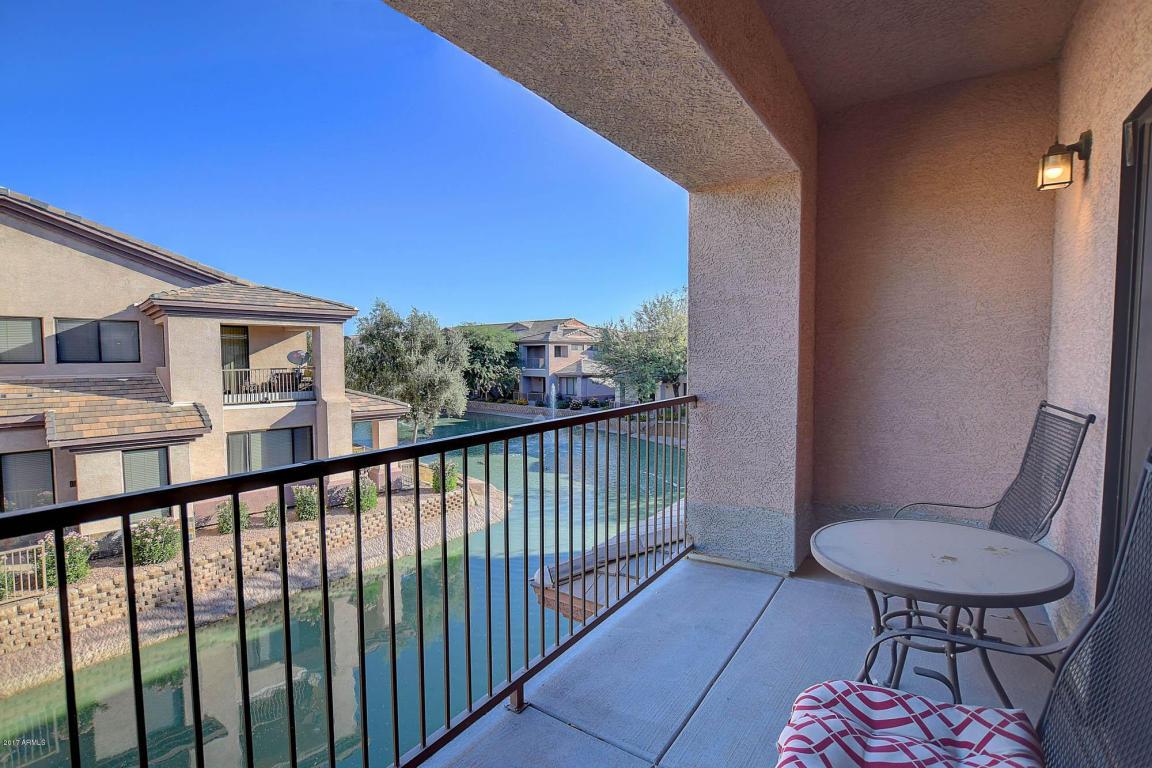 Photo for 705 W Queen Creek Road, Unit 1039, Chandler, AZ 85248 (MLS # 5669263)