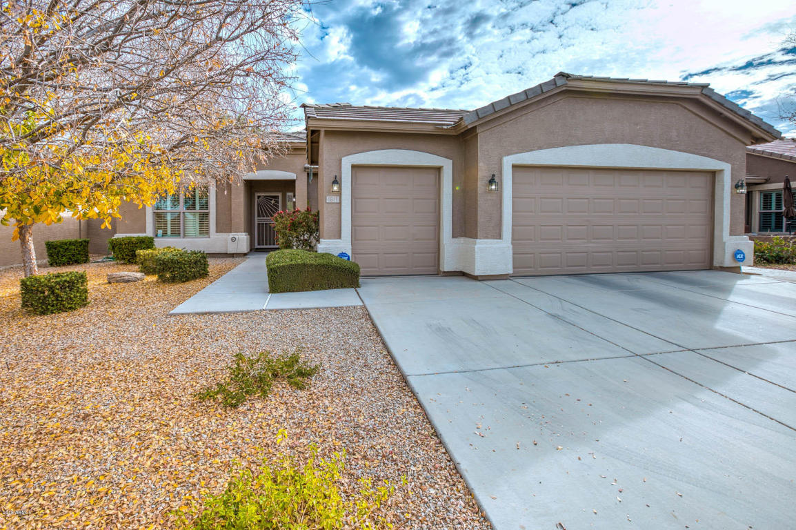 Photo for 6811 S Granite Drive, Chandler, AZ 85249 (MLS # 5708025)