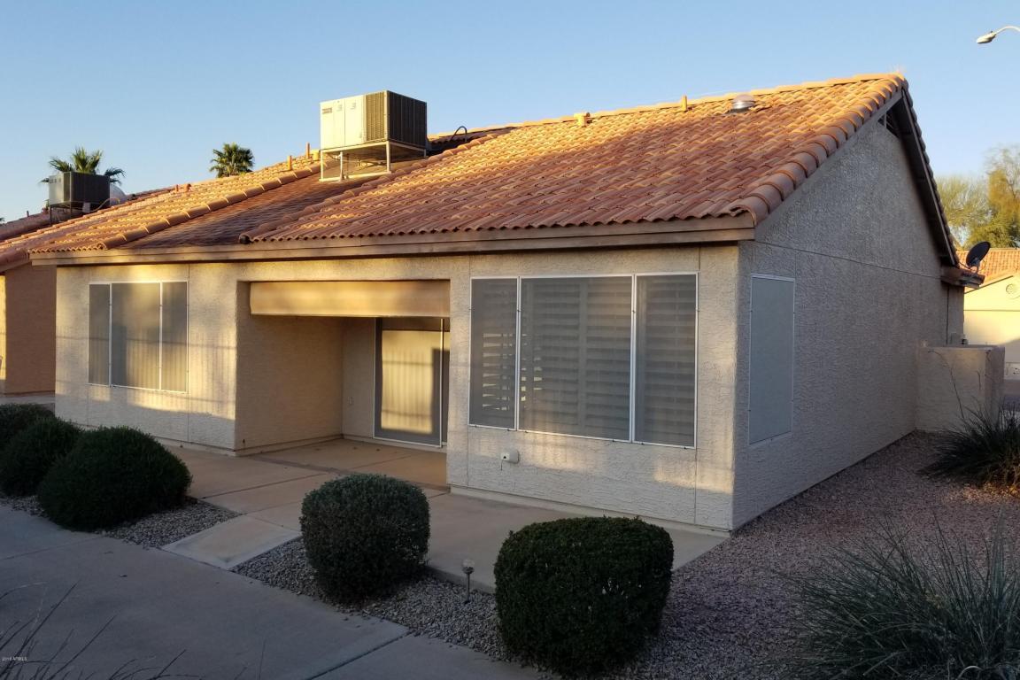 Photo for 6621 S Oakmont Drive, Chandler, AZ 85249 (MLS # 5727347)