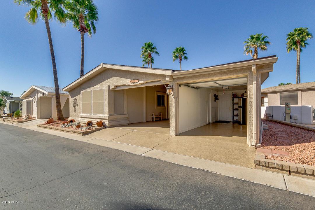 Photo for 6194 S Oakmont Drive, Chandler, AZ 85249 (MLS # 5728777)