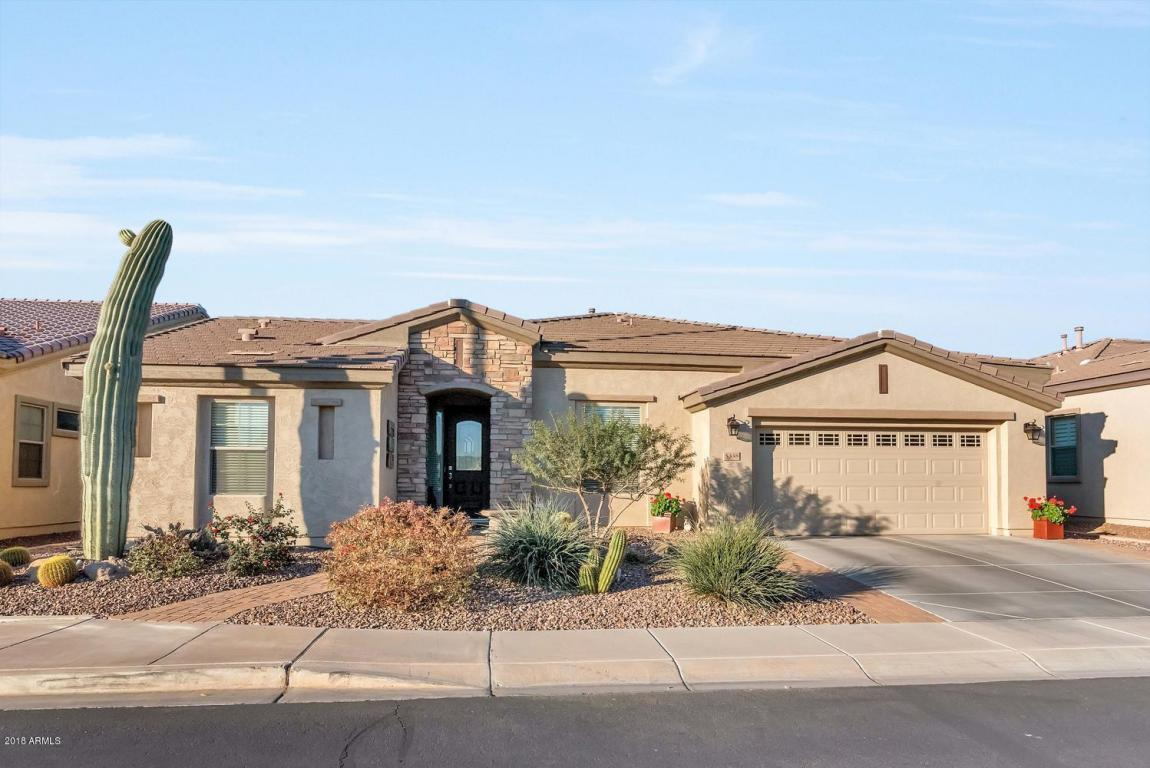 Photo for 5338 S Peachwood Drive, Gilbert, AZ 85298 (MLS # 5731708)