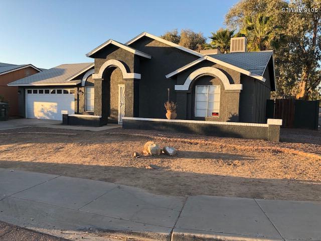 Photo for 6902 W Crittenden Lane, Phoenix, AZ 85033 (MLS # 5735926)