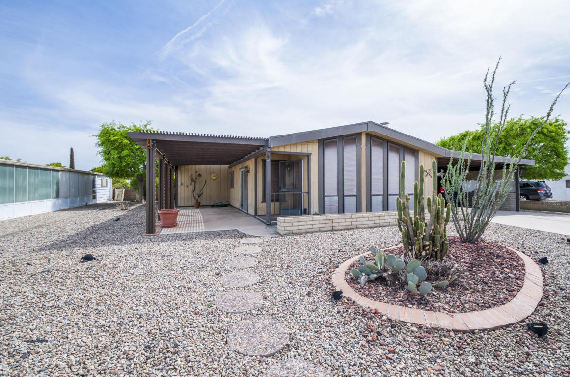Photo for 26235 S Cholla Court, Sun Lakes, AZ 85248 (MLS # 5740302)