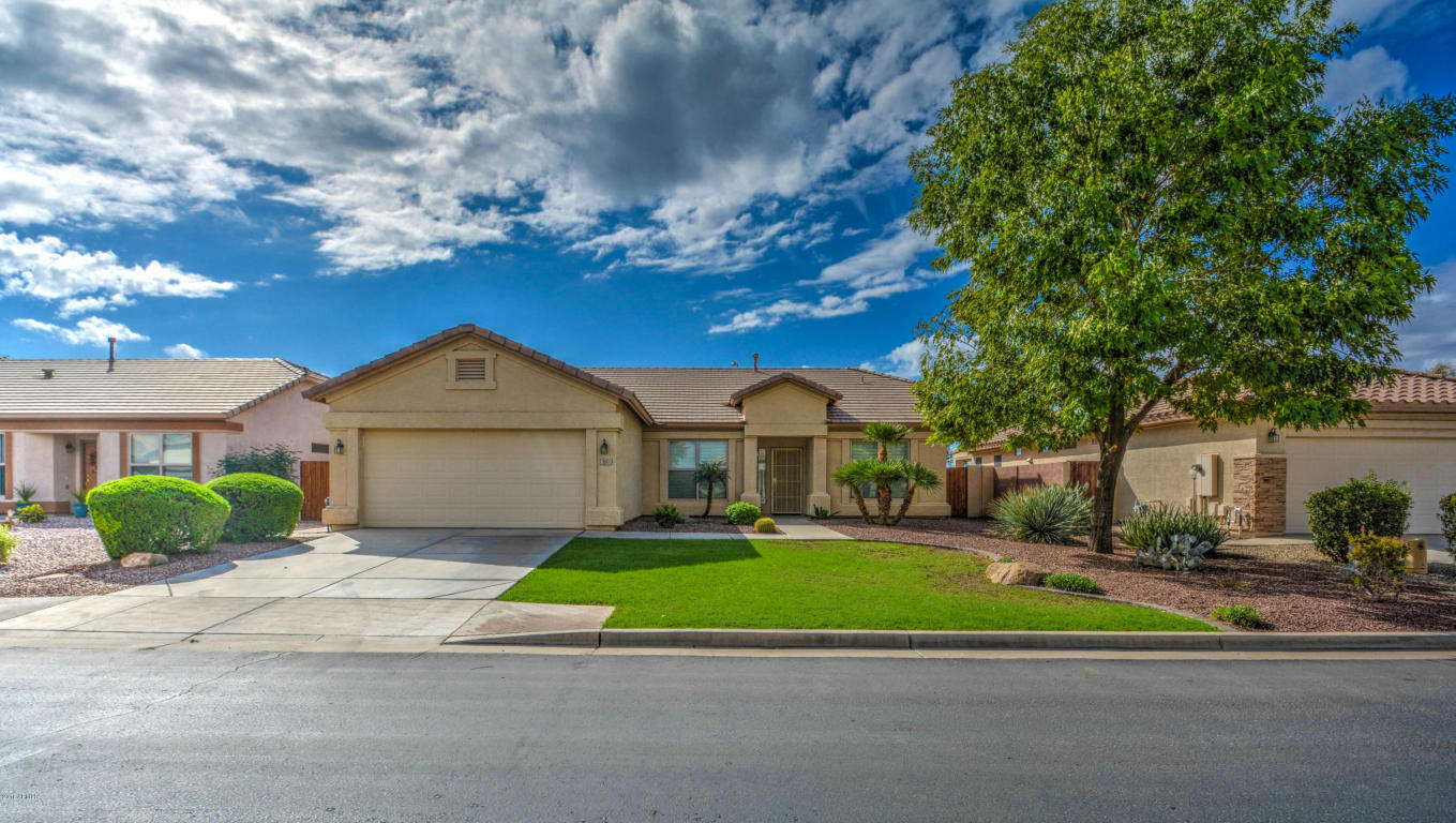 Photo for 3051 E Gleneagle Drive, Chandler, AZ 85249 (MLS # 5774547)