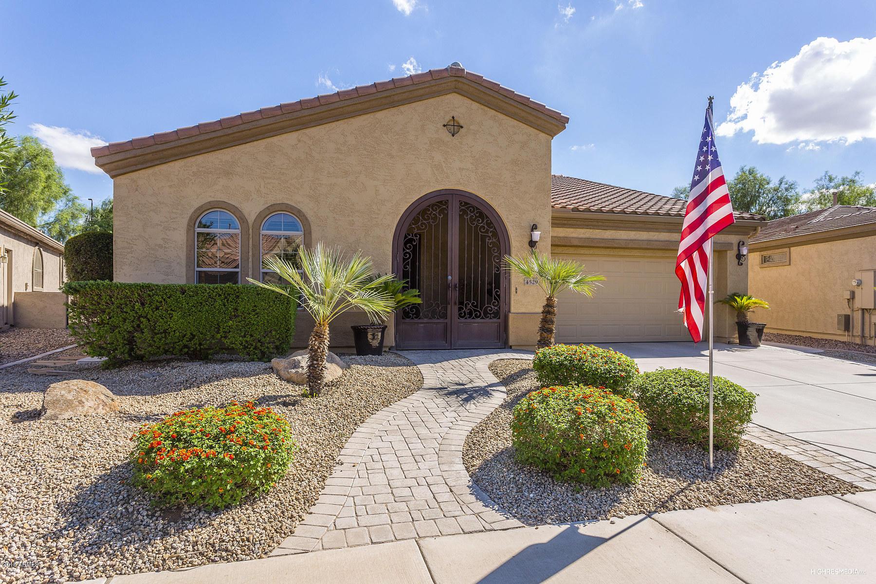 Photo for 4529 E Blue Spruce Lane E, Gilbert, AZ 85298 (MLS # 5845900)
