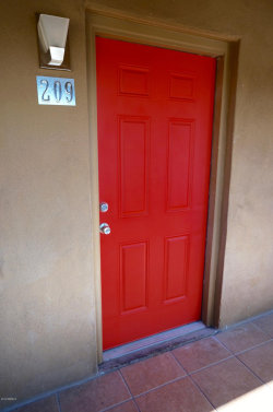 Photo of 4401 N 12th Street, Unit 209, Phoenix, AZ 85014 (MLS # 5847692)