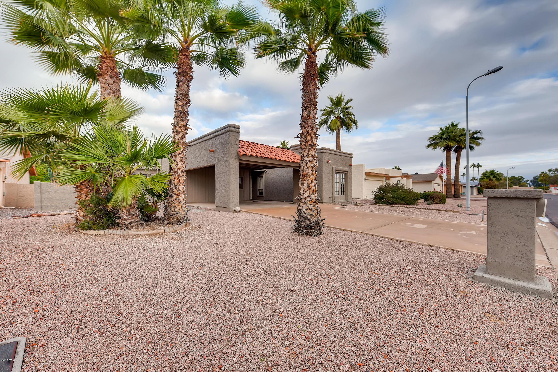 Photo for 25826 S Parkside Drive, Sun Lakes, AZ 85248 (MLS # 5855646)