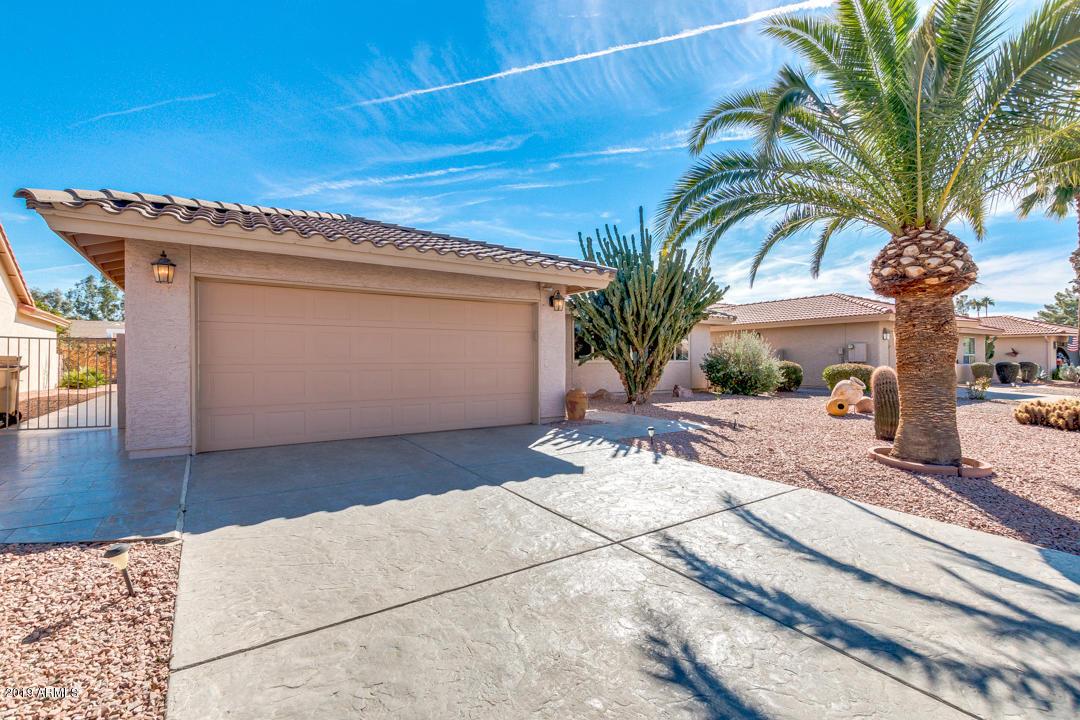 Photo for 26441 S Beech Creek Drive, Sun Lakes, AZ 85248 (MLS # 5874780)