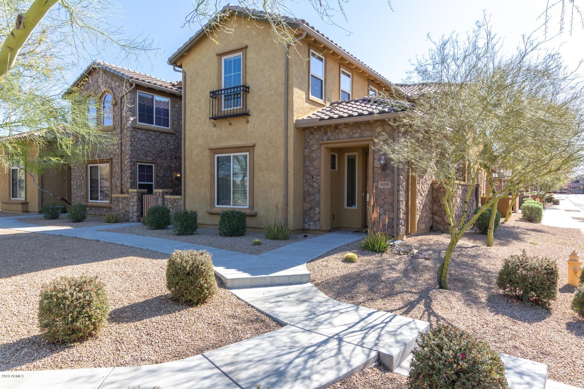 Photo for 3858 E Cat Balue Drive, Phoenix, AZ 85050 (MLS # 5906678)