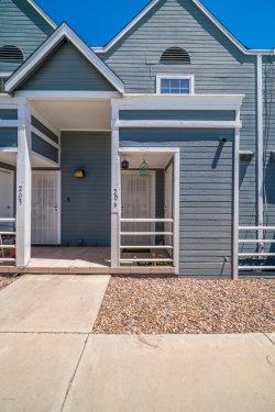 Photo of 1505 N Center Street, Unit #206, Mesa, AZ 85201 (MLS # 5943910)