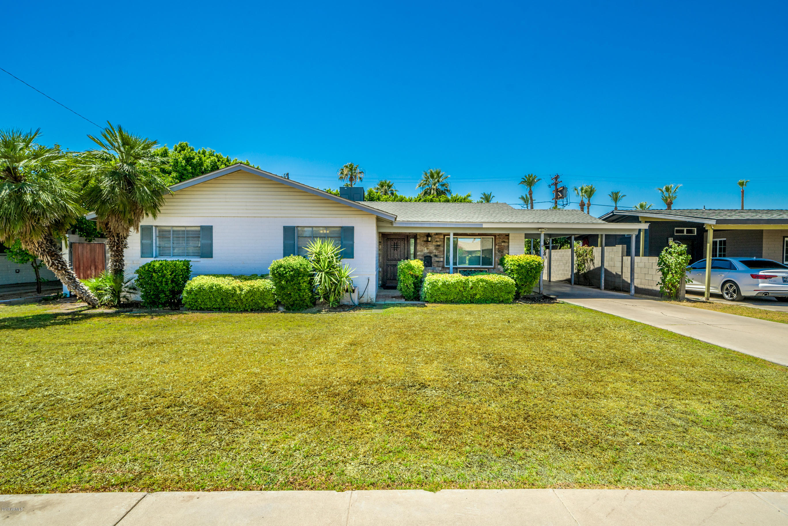 Photo for 439 W Cheery Lynn Road, Phoenix, AZ 85013 (MLS # 5946643)