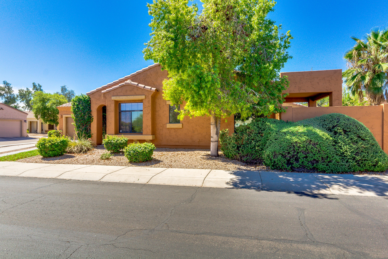 Photo for 3003 E Fremont Road, Phoenix, AZ 85042 (MLS # 5950763)