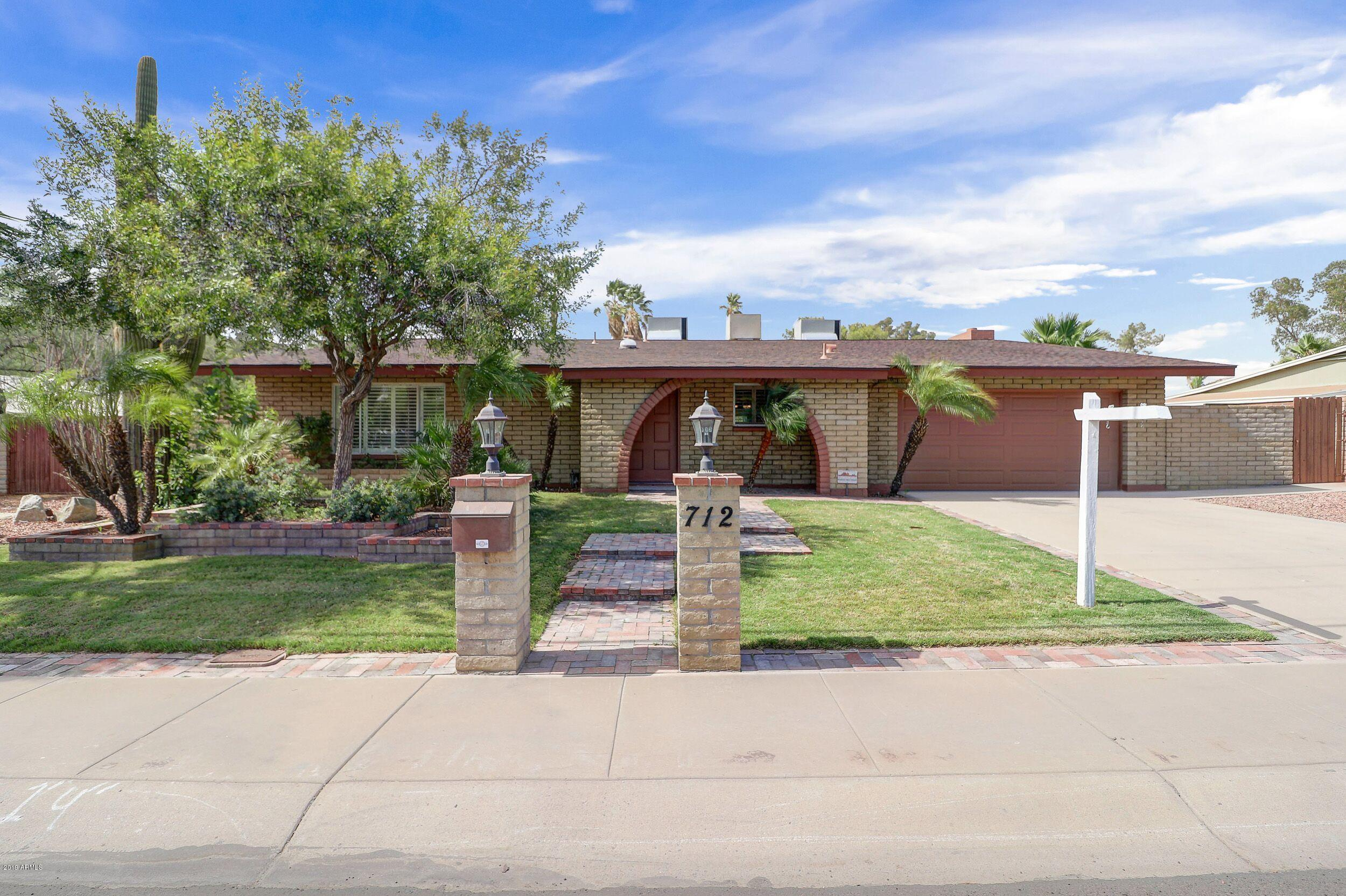 Photo for 712 W Thunderbird Road, Phoenix, AZ 85023 (MLS # 5951490)