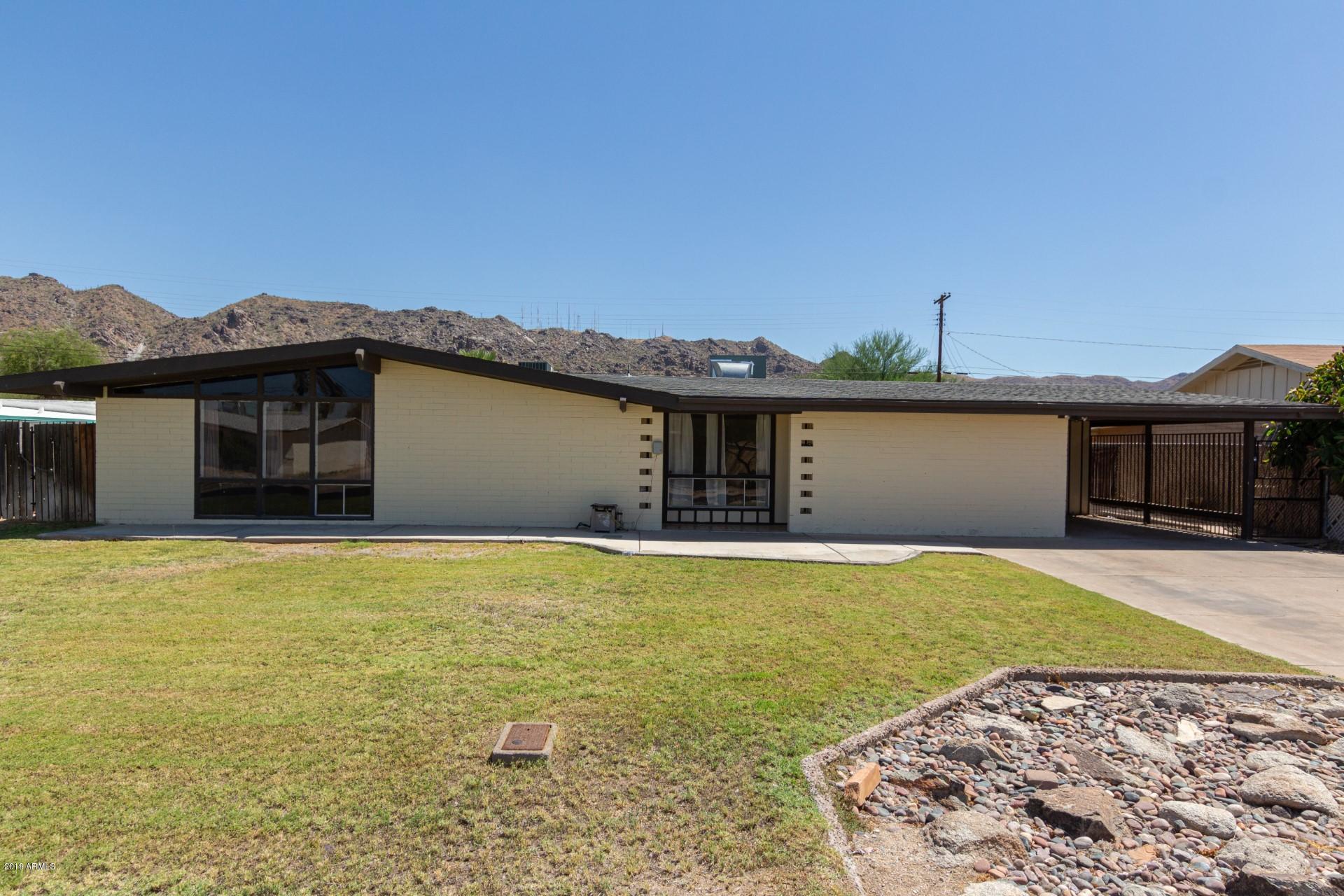 Photo for 327 E Monte Way, Phoenix, AZ 85042 (MLS # 5964898)