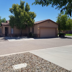 Photo of 2597 E Indian Wells Place, Chandler, AZ 85249 (MLS # 5966432)