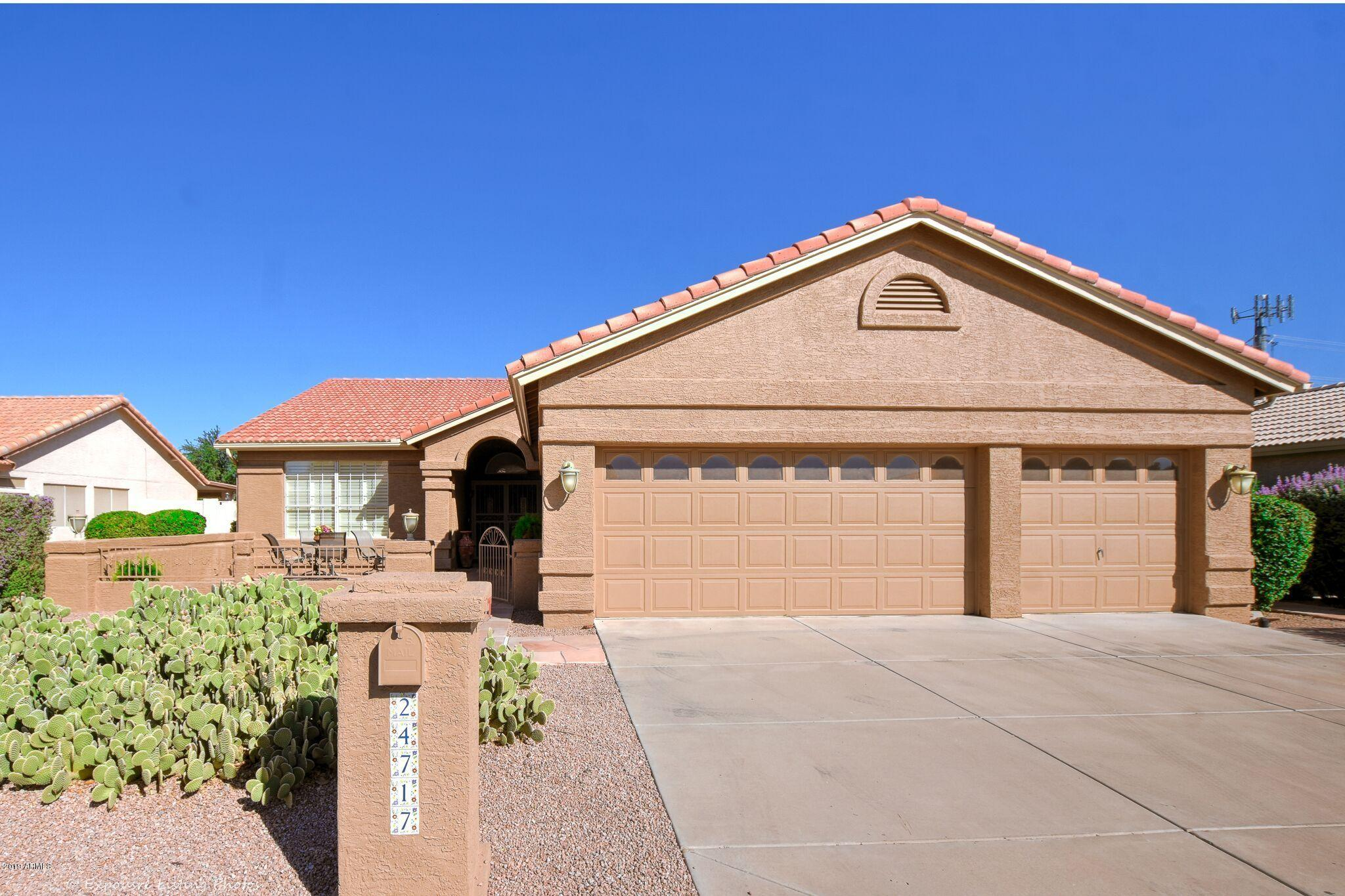 Photo for 24717 S Ontario Drive, Chandler, AZ 85248 (MLS # 5990343)