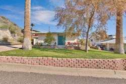 Photo of 221 E Foothill Drive, Phoenix, AZ 85020 (MLS # 6040339)