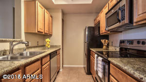 Photo for 3830 E Lakewood Parkway E, Unit 1174, Phoenix, AZ 85048 (MLS # 5244974)