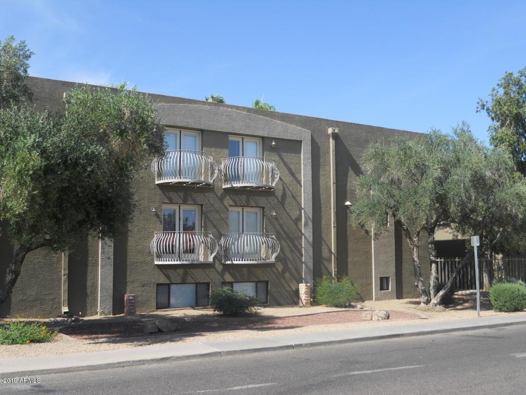 Photo for 724 E Devonshire Avenue, Unit 303, Phoenix, AZ 85014 (MLS # 5885975)