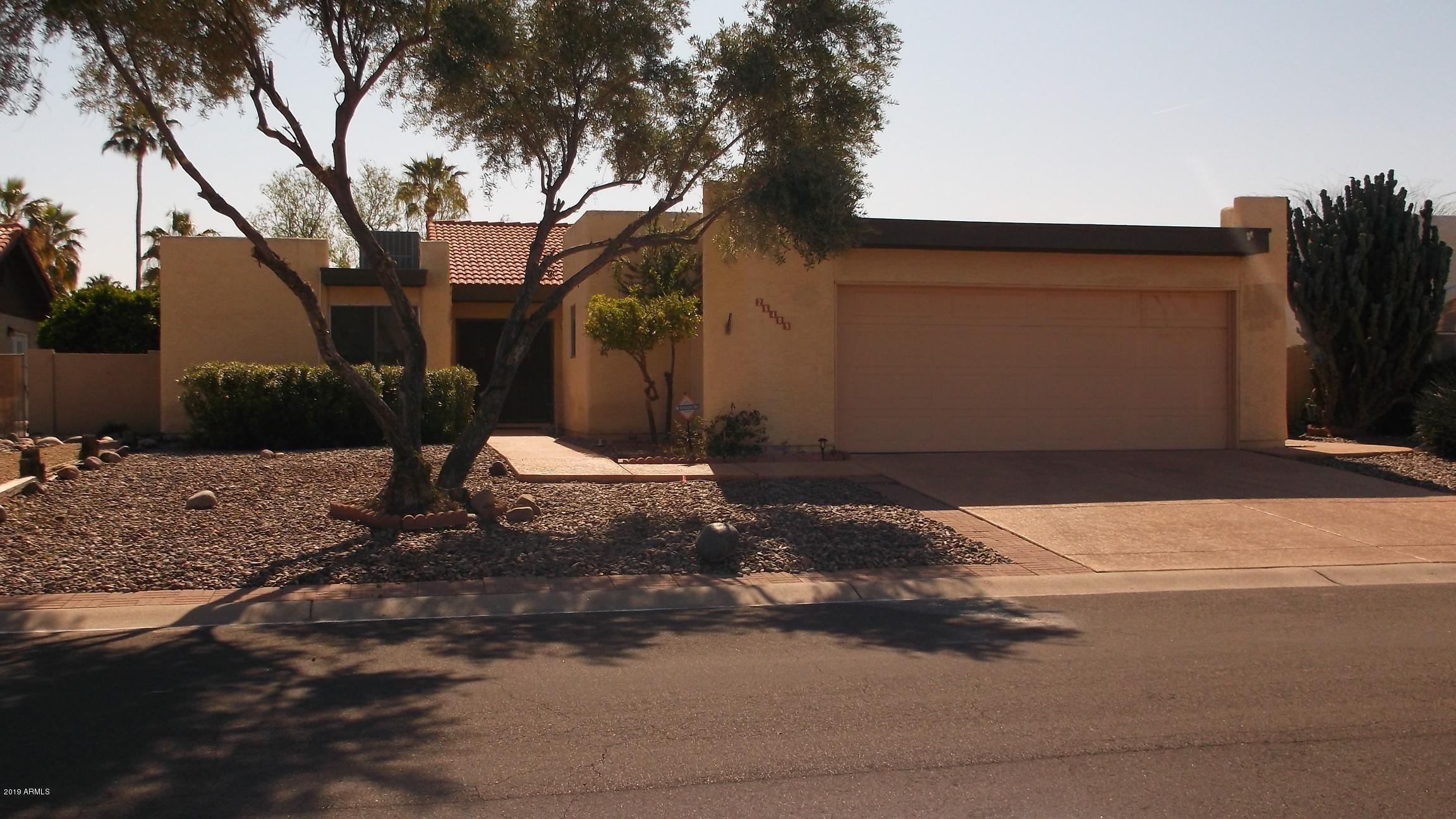 Photo for 26409 S Lakewood Drive, Sun Lakes, AZ 85248 (MLS # 5908423)