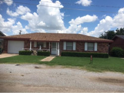 Photo of 404 N Hardin, Mangum, OK 73554 (MLS # 285534)