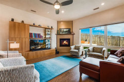 Photo of 10 Camino Barranca, Santa Fe, NM 87507 (MLS # 201800019)