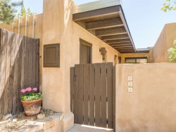 Photo of 928 Los Lovatos, Santa Fe, NM 87501 (MLS # 201802293)