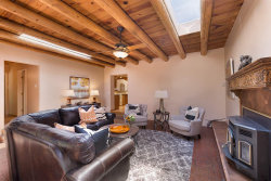 Photo of 117 Lugar de Oro, Santa Fe, NM 87501 (MLS # 201802545)