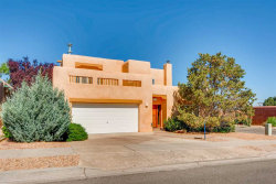 Photo of 3208 Nizhoni, Santa Fe, NM 87507 (MLS # 201802774)