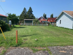 Photo of 727 MYRTLE AVE, Reedsport, OR 97467 (MLS # 19544763)