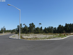 Photo of 32 TOURNAMENT DR , Unit 32, Florence, OR 97439 (MLS # 19687378)
