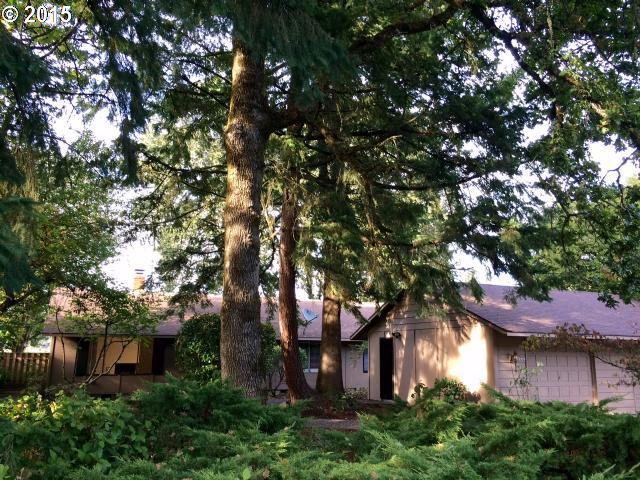 Photo for 18223 INDIAN CREEK DR, Lake Oswego, OR 97035 (MLS # 15161166)