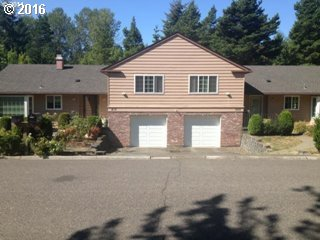 Photo for 218 GREENRIDGE DR, Lake Oswego, OR 97035 (MLS # 16518952)