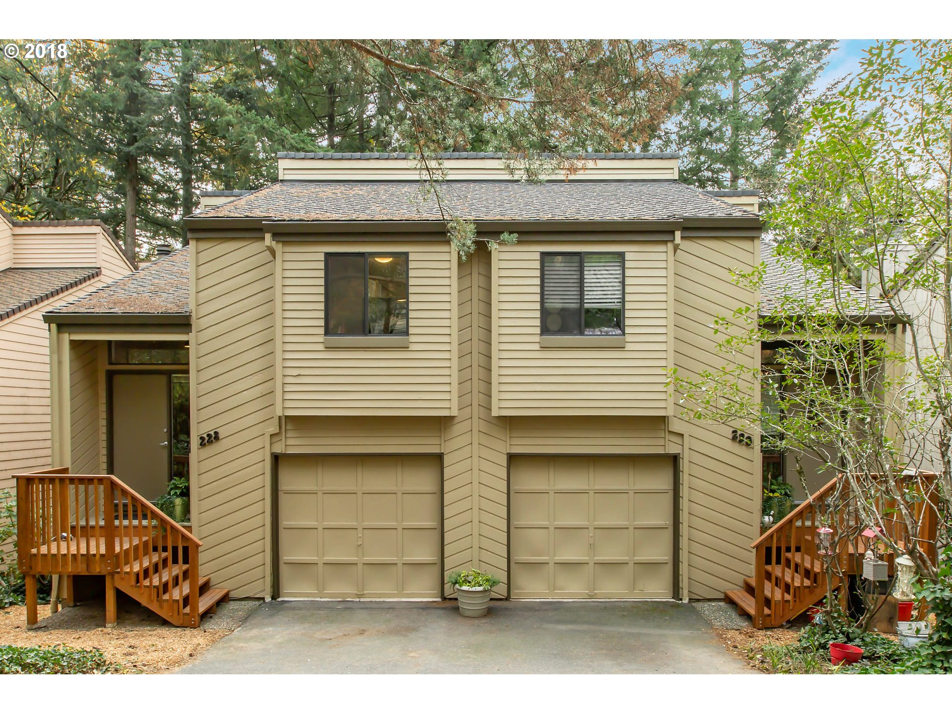 Photo for 228 CERVANTES, Lake Oswego, OR 97035 (MLS # 18109158)