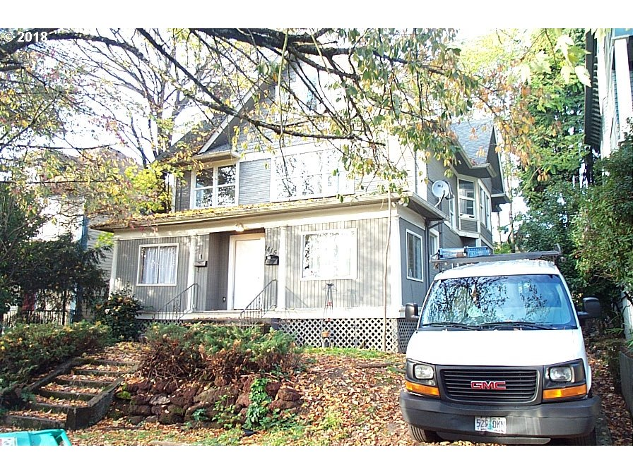 Photo for 1415 SE MAIN ST, Portland, OR 97214 (MLS # 18163875)