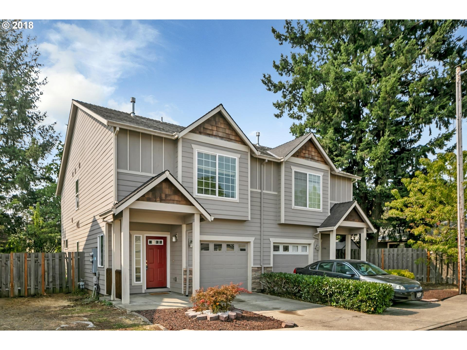 Photo for 12506 SE WOODWARD ST, Portland, OR 97236 (MLS # 18415529)