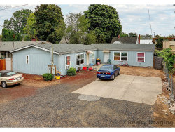 Photo of 8240 SE KELLY ST, Portland, OR 97266 (MLS # 19208294)