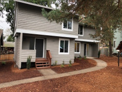 Photo of 12385 SE 60TH CT, Milwaukie, OR 97222 (MLS # 19260746)
