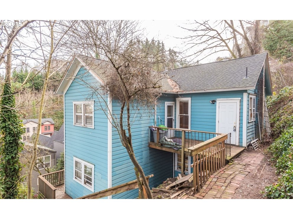 Photo for 1817 SW CABLE AVE, Portland, OR 97201 (MLS # 19291519)