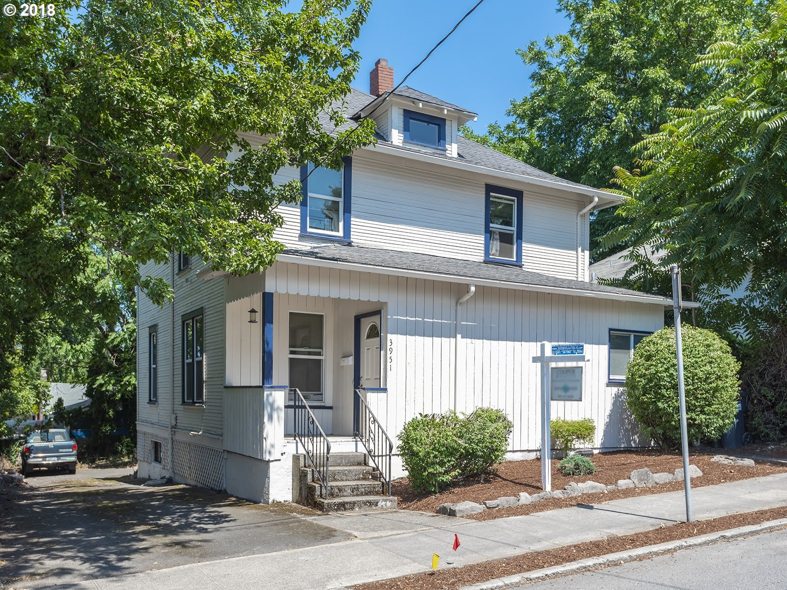 Photo for 3951 SE HOLGATE BLVD, Portland, OR 97202 (MLS # 19378823)