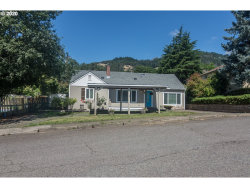 Photo of 758 NE LEON AVE, Myrtle Creek, OR 97457 (MLS # 20353561)
