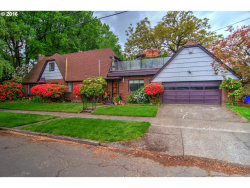 Photo of 1752 SE LADD AVE, Portland, OR 97214 (MLS # 16252450)