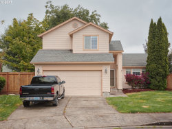 Photo of 826 NE EAGLENEST CT, Hillsboro, OR 97124 (MLS # 17004409)