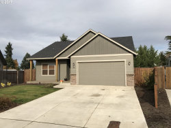 Photo of 1000 GREEN MEADOWS AVE, Junction City, OR 97448 (MLS # 17008816)