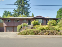 Photo of 7515 SE MILL ST, Portland, OR 97215 (MLS # 17017056)