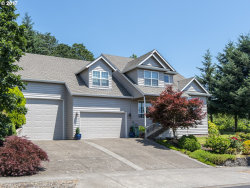 Photo of 1327 HILLSDALE DR, Newberg, OR 97132 (MLS # 17040571)