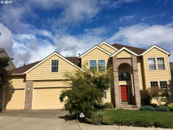 Photo of 13589 SW MICHELLE CT, Tigard, OR 97223 (MLS # 17066562)